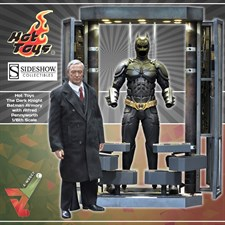 Hot Toys - The Dark Knight - Batman Figure & Armory with Alfred Pennyworth (1/6th Scale Figures)